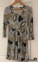 BNWOT FAT FACE BEIGE NAVY BLUE LEAF DRESS 3/4 SLEEVES SIZE 8 -10