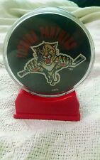Souviner Florida Panthers NHL Hockey Puck Official with Display Case