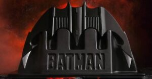 NECA 1989 BATMAN Batarang Replica w Stand Brand New in Box 2021