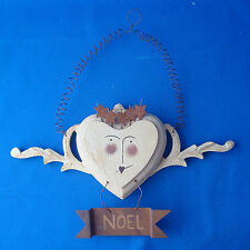 wall hanging greeting Christmas Noel wooden heart crackled finish wreath decor