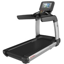 """Life Fitness 95T Platinum club Series Treadmill - Discover SI Console 10"""""""