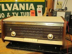 1950`s  Norelco Bi-Ampli Stereo Tube Table Radio