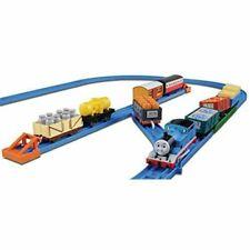 TAKARA TOMY Plarail Thomas & Friends Thomas & Freight Car Set 0798525425919