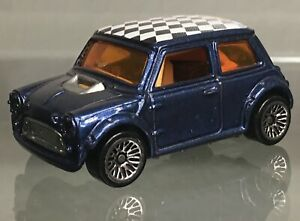 MINT LOOSE 2001 Hot Wheels #158 metallic dark blue Mini Cooper REMOVEABLE BODY