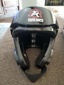 Black Century Powerline 2.0 Tiger-Rock TAEKWONDO/KARATE Sparing Helmet ADULT M/L