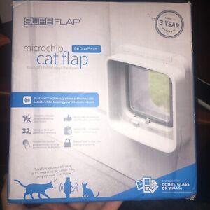 SureFlap Microchip Electronic Cat Door White DualScan One Button Programming