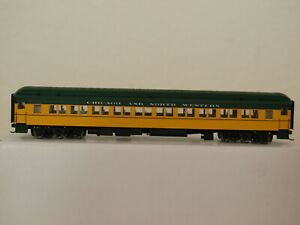 Walthers H0 932-10106 Heavyweight Paired Window Coach CNW in OVP