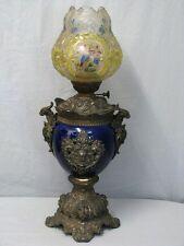 Große Edle Petroleumlampe mit Montierung und Bemalte Glas Schirm um 1800