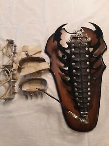 DEATHSTALKER SCORPION HAND CLAW  HAND AND FEET SPIKES