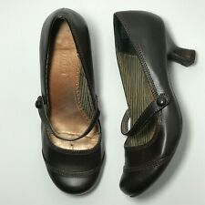 MUDD Womens Elyssa Brown Kitten Heel Round Toe Buckle Mary Jane Pumps Shoe 6 M