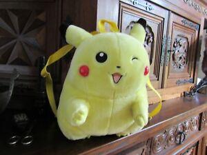 Sac à dos Pikachu Pokemon - cri Pikachu et les joues s'allument !