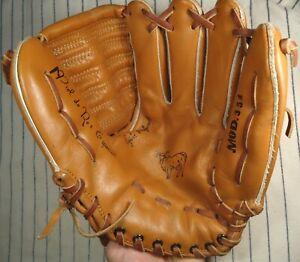 "Rare Cuban made baseball glove soft leather youth 11"" RH thrower closed back"