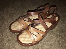 Soft Walk Womens Strappy Sandals Sz 8 Comfort Footbed