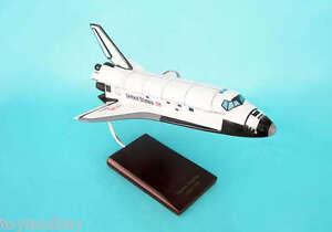 Executive Series E4810 NASA Space Shuttle Endeavor 1:100 Scale Museum Quality