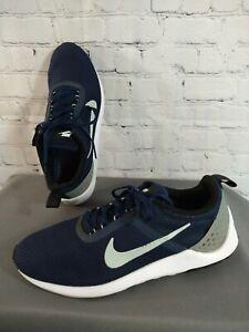 EUC men's NIKE / LUNARESTOA II navy blue running shoes - size 10 1/2