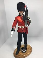 1/6 DRAGON BRITISH COLDSTREAM GUARDS SGT BUCKINGHAM PALACE BULLPUP+OAK STAND BBI