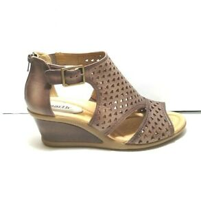 EARTH DANAE Brown Leather Cut Out Wedge Booties Sandals Shoes Gladiator 9 Wide