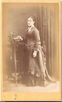 H. Morris CDV photo Feine Dame - New Wandsworth 1870er
