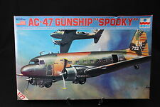 YA052 ESCI 1/72 maquette avion 9012 AC-47 Gunship Spooky