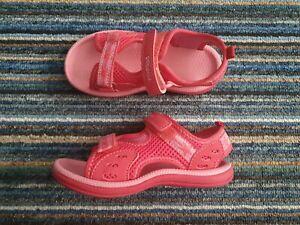 Girls Pink Clarks Doodles Size 8 hardly worn.