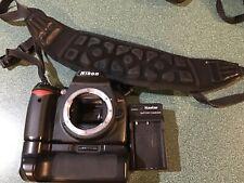 Nikon D D40 6.1MP Digital SLR Camera - Black with Battery grip