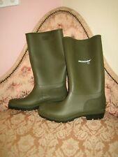 Mens DUNLOP Green Waterproof Wellies Wellington Boots UK 12 - NEW