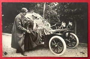 Foto AK 1912 Automobil mit feinen Herrschaften beim einsteigen Typen   ( 98417