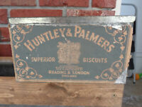 vintage Huntley & Palmers superior biscuits England (tin box w/lid) 9in square