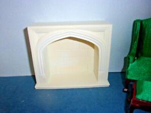 TUDOR  FIREPLACE MANTEL  - RESIN - DOLL HOUSE MINIATURE