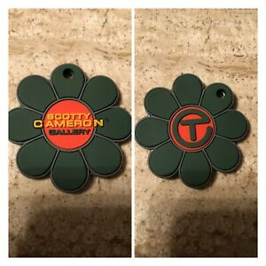 "SCOTTY CAMERON ""CIRCLE T FLOWER"" KEY FOB GREEN ORANGE (NWT)"