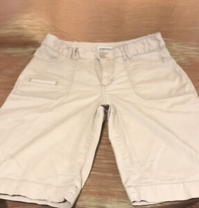 St Johns Bay Womans Cargo Short Size 6 Inseam 10.5""