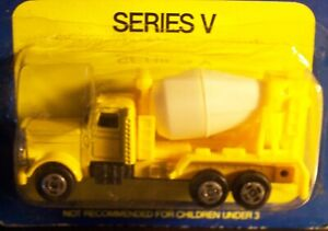 Vintage Speed Wheels Die-Cast Diecast Series Yellow Cement Mixer Truck NOS NEW