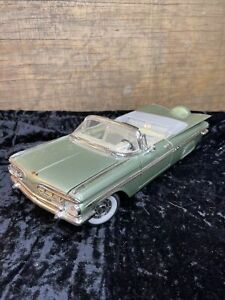 1959 Chevrolet Impala - Road Signature Collection - Die Cast 1:18
