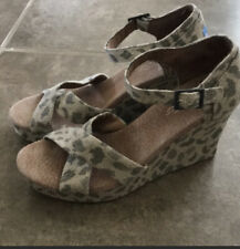 Women's TOMS Cheetah Canvas Strappy Wedge Sandals Size 9.5