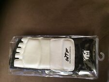 WTF Taekwondo Foot Protector Guard Karate MMA Pads Socks Sparring Gear Medium