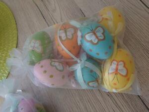 30 Stk. Ostereier Ostern Plastikeier zur Deko für Innen & Aussen - NEU -