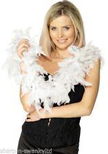 Boa, sciarpe e ghirlande piuma bianca per carnevale e teatro
