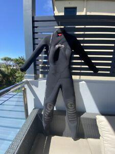 Aqua Lung 5mm Women's long wetsuit size 10AU