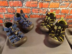 PRE-OWNED lot of 2 toddler unisex KEEN waterproof canvas SANDALS - size 9