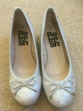 BNWOT Refresh silver wedge shoes size 39