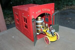 MTH 10-1003 Kingsbury Fire House and Pumper MINT