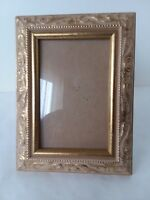 """Metallic Gold Tone Beige Resin Picture Frame 3 1/2"""" x 5 1/2"""""""