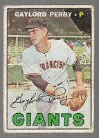 [58838] 1967 TOPPS GAYLORD PERRY #320 BASEBALL CARD SAN FRANCISCO GIANTS