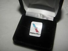 COLLECTABLE AMERICAN AIRLINES NEW DESIGN LAPEL TAC PIN AA PILOT CHRISTMAS GIFT