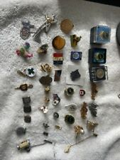 Lot of vintage pins and tie clips