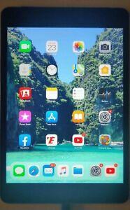 Tablette Apple iPad Mini 4e Génération 64 Go, Wi-Fi Cellulaire
