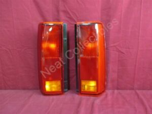NOS OEM Chevrolet Astro, GMC Safari Tail Lamp Light 1993 - 05 PAIR, EXPORT