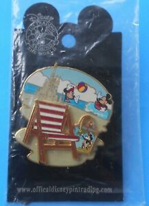 MICKEY & MINNIE MOUSE PIN PLAYING AT BEACH CHAIR CASTLE PAIL DISNEY PIN 39595