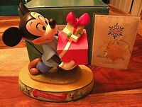 """WDCC """"MICKEY MOUSE"""" LARGE Figurine W/ CHRISTMAS BASE Retired NIB ( 6 1/2"""" Tall )"""