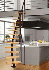 Mittelholmtreppe MINI aus Stahl in schwarz mit 11 Stufen aus Erlenholz